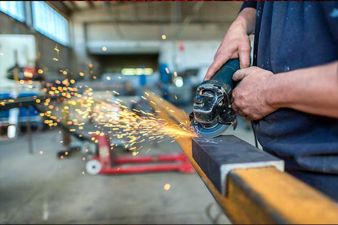 Is-The-Lack-of-Skilled-Workers-Hurting-The-Manufacturing-Industry